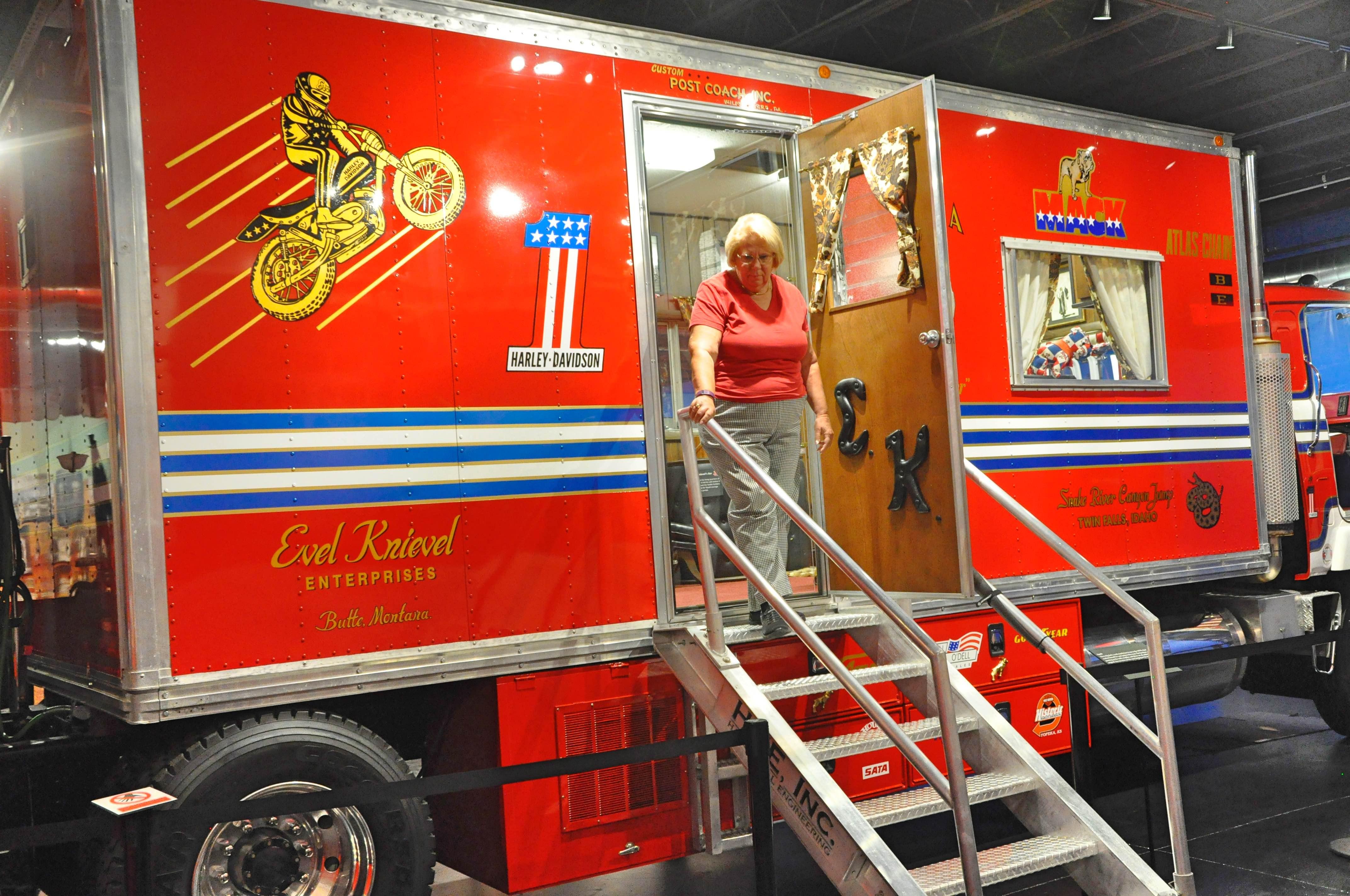 Department of motor vehicles topeka ks for Motor vehicle division santa fe